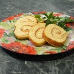 Рулет из омлета с сыром