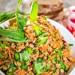 Теплый салат с чечевицей и гречкой