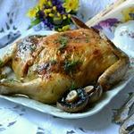 Курица фаршированная грибами и брусникой