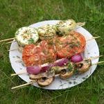Овощи на шпажках на мангале