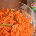 Морковь по-корейски с маринованными огурцами