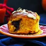 Тыквенно-медовые булочки с джемом