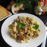 Салат из цветной капусты и шампиньонов