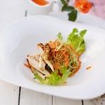 Салат с курицей и кабачком