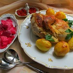 Запечённая курица в маринаде из хрена