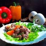 Куриные сердечки в огуречно-овощном соусе