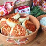 Пышные дрожжевые оладьи с грибным соусом