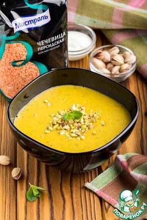 Рецепт: Чечевичный суп с мятой и фисташками