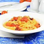 Спагетти с томатами за десять минут
