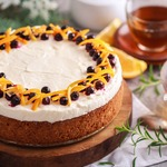 Творожно-ягодный пирог под снежной шапкой