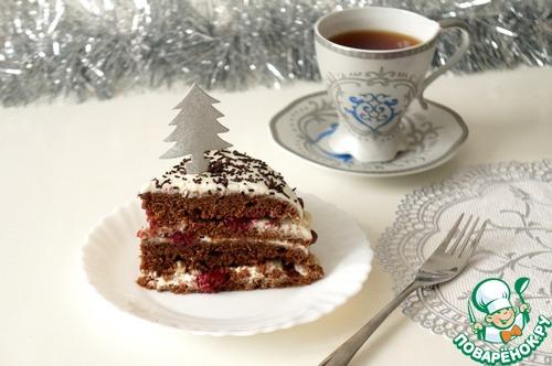 Шоколадно-сметанный торт с пряной вишней