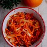 Морковный салат с апельсином и луком