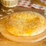 Творожная лепешка с сыром