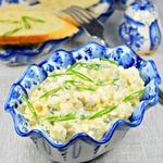 Салат из курицы и пекинской капусты