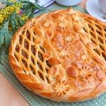 Пирог с мясным фаршем и опятами