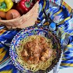 Баранина в томатно-луковом соусе