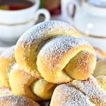 Постные сахарные булочки