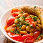 Ароматная фасоль с колбасками