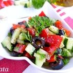 Салат из огурца и маслин