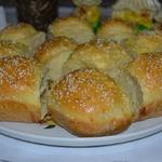 Сырные пампушки с пикантной начинкой
