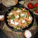 Турецкая яичница с овощами