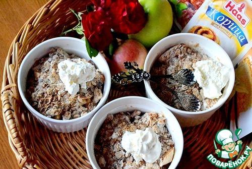 Яблочный крисп с орехами