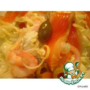 Рецепт Салат из пекинской капусты с лососем и креветками