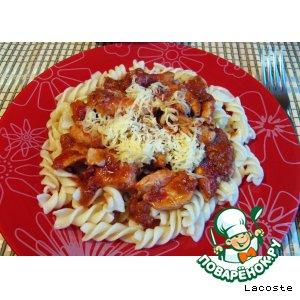 Простой рецепт приготовления с фотографиями Паста с курино-томатным соусом на Новый Год