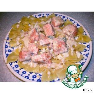 Как готовить Фарфалле (бантики) с семгой под сырным соусом рецепт с фото