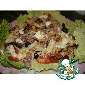 салат из морепродуктов с морским коктейлем рецепт