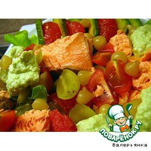 Салат с лососем,  виноградом,  авокадо и черри простой пошаговый рецепт приготовления с фото как приготовить