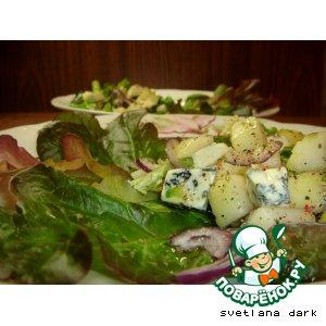 Рецепт Салат с грушами и сыром Дор Блю