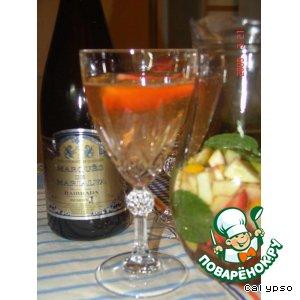 Рецепт Сангрия из шампанского и клубники