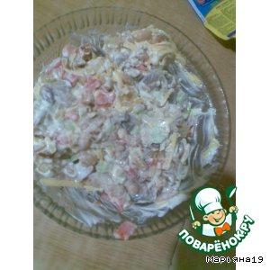 Рецепт Салат с фасолью, грибами и сухариками