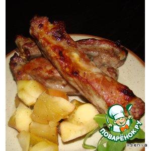 Рецепт Свиные ребрышки, запеченные в яблоках