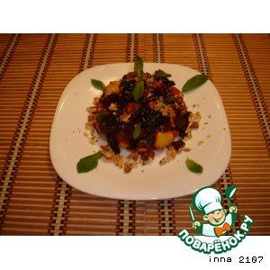 Рецепт Салат из свеклы с черносливом и яблоками
