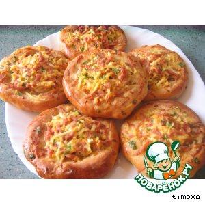 Рецепт Открытые пирожки с луком, яйцом и ветчиной