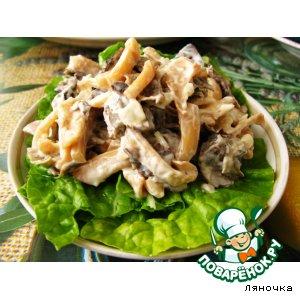 Рецепт Салат с кальмаром и грибами