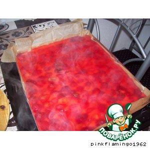 Рецепт Пирог с ревенем и клубникой