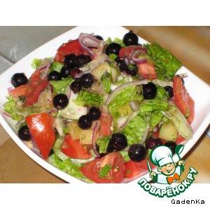 Рецепт Салат «Летний» с черной смородиной и ананасом