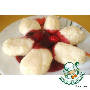 Рецепт Ленивые вареники с ягодным соусом