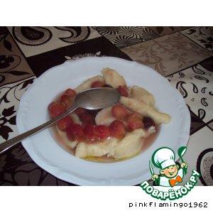 Рецепт Галушки с ягодным соусом