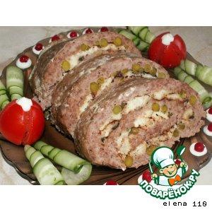 Рецепт Мясной рулет с омлетом, горошком и базиликом