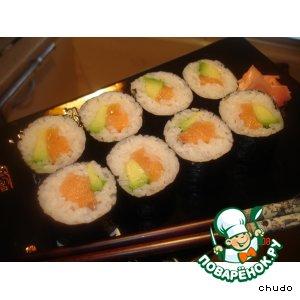 Рецепт Суши - роллы с семгой и авокадо