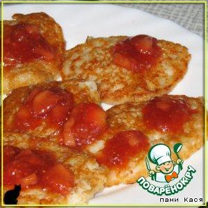 Рецепт Овсяные оладушки с грушей под клубничным соусом