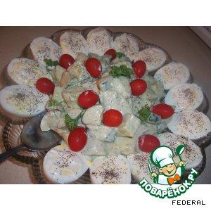 Рецепт Огуречный салат с соусом из редиса
