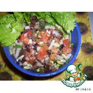 Рецепт Салат с фасолью, грибами о овощами