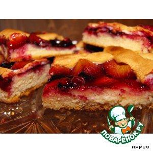 Рецепт Сливовый пирог с решеткой из безе