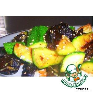 Рецепт Салат с цуккини и черносливом