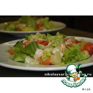 Рецепт Салат с лососем, креветками и ананасами